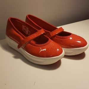 Puma mary Jane Sneakers size 6